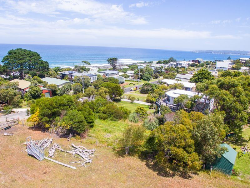 2 Surf Avenue, Skenes Creek VIC 3233, Image 1