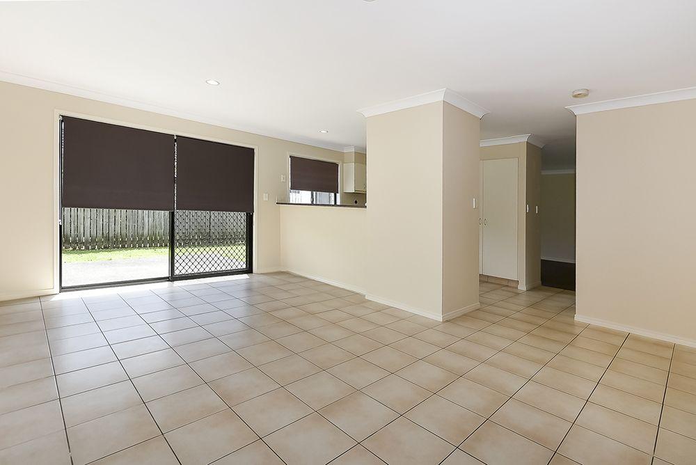 6 Stockwellia Street, Meadowbrook QLD 4131, Image 2