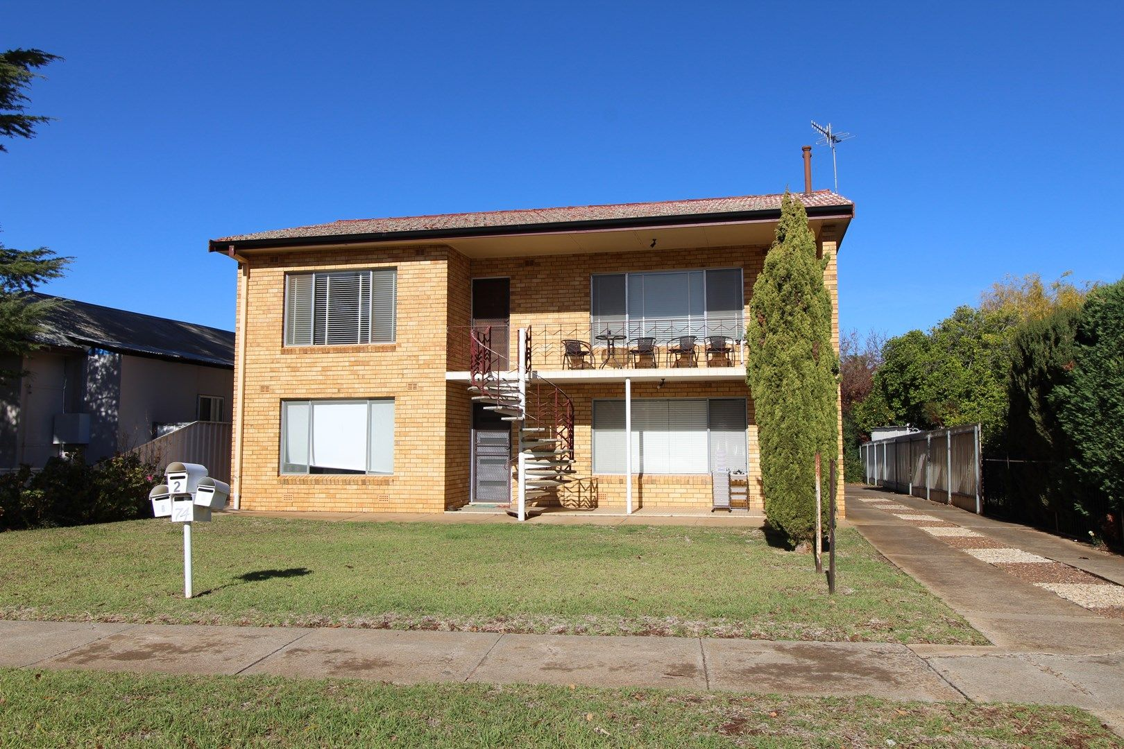 2/74 Binya Street, Griffith NSW 2680, Image 0