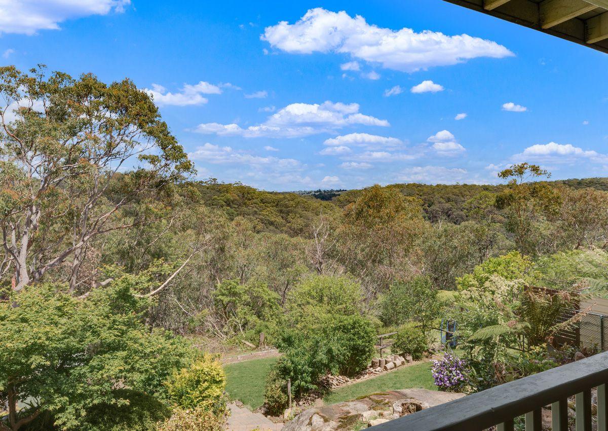 22 Fairways Crescent, Springwood NSW 2777, Image 2
