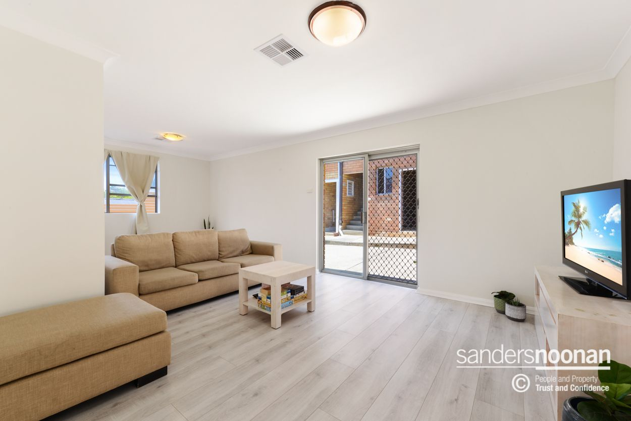 6 Robyn Street, Peakhurst Heights NSW 2210, Image 1