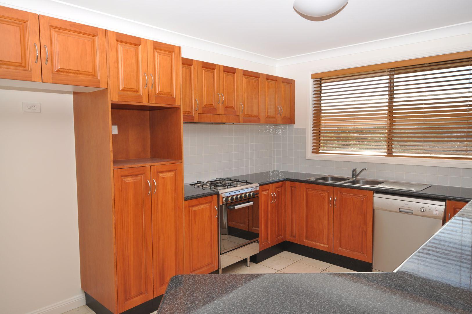 2/11 Melbourne Street, East Gosford NSW 2250, Image 0
