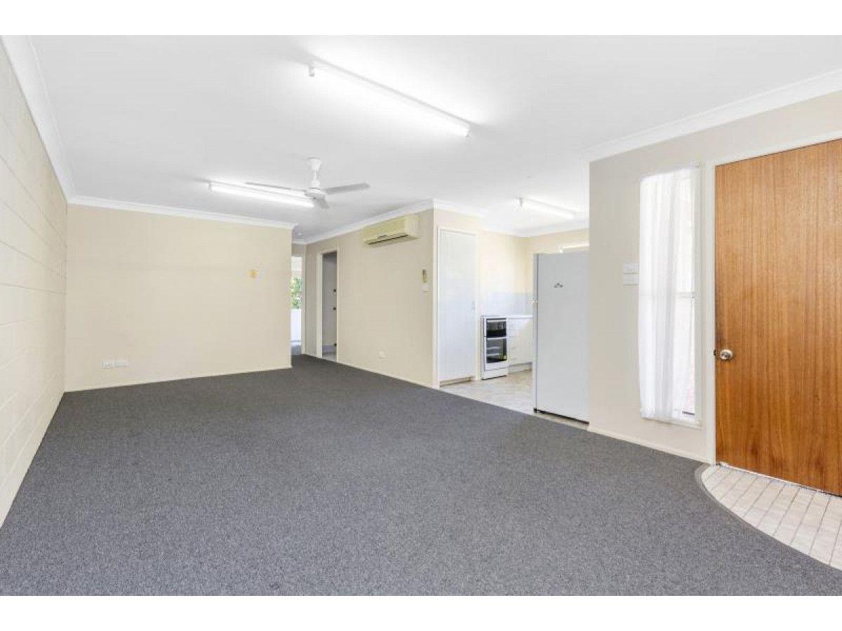 2/4 O'Shanesy Street, Koongal QLD 4701, Image 2