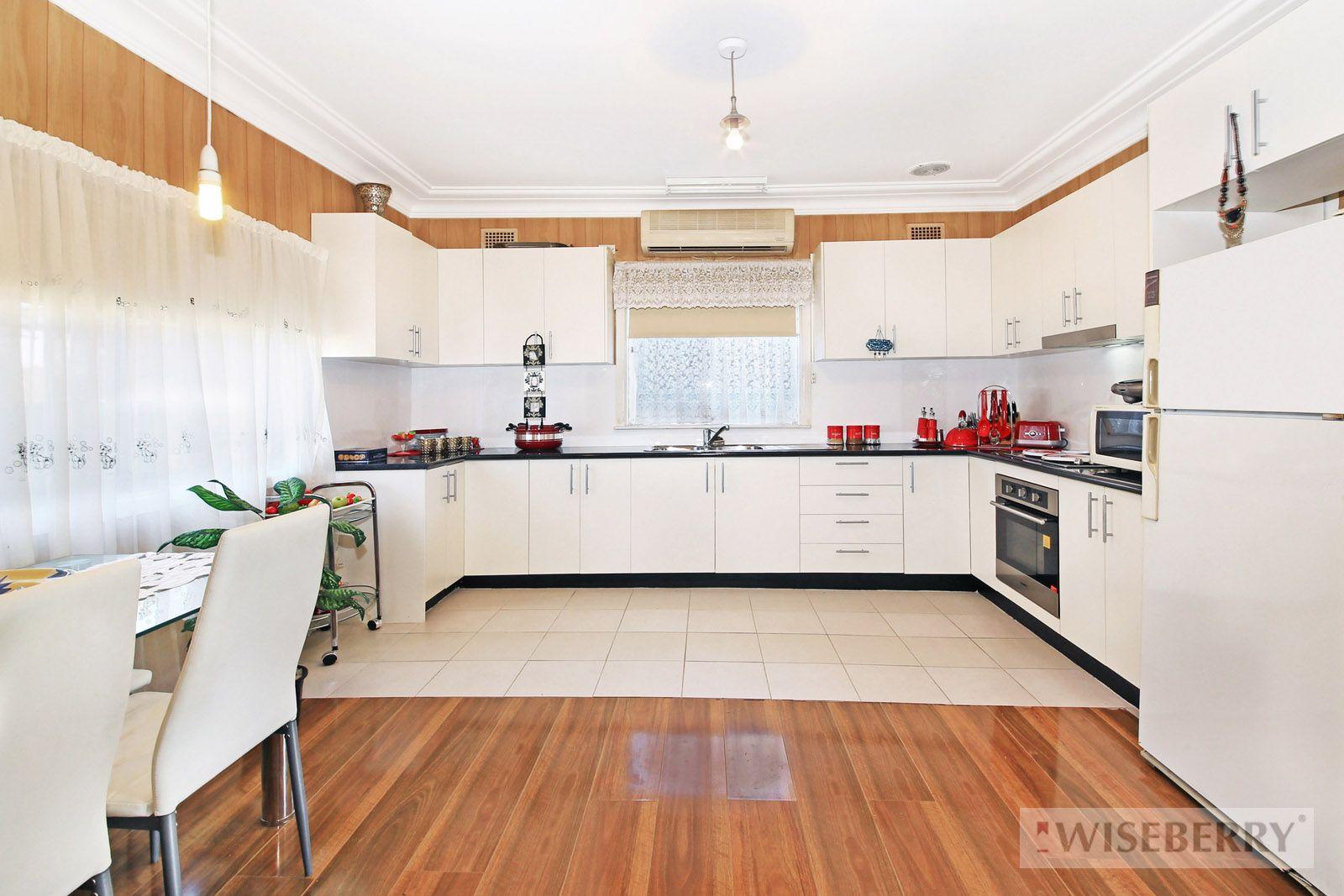 54 Dan Crescent, Lansvale NSW 2166, Image 2