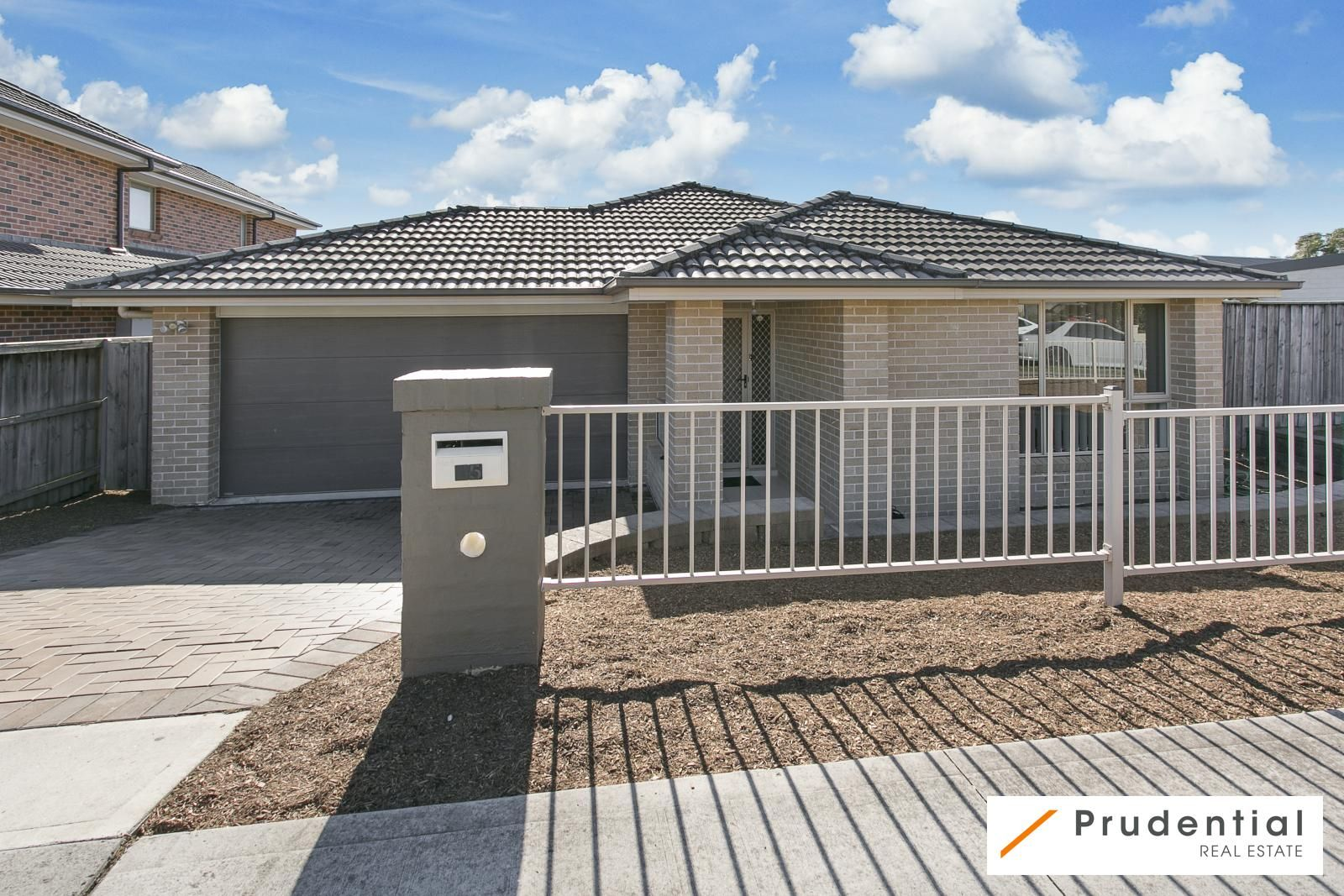 15 Snowy Avenue, Minto NSW 2566, Image 0
