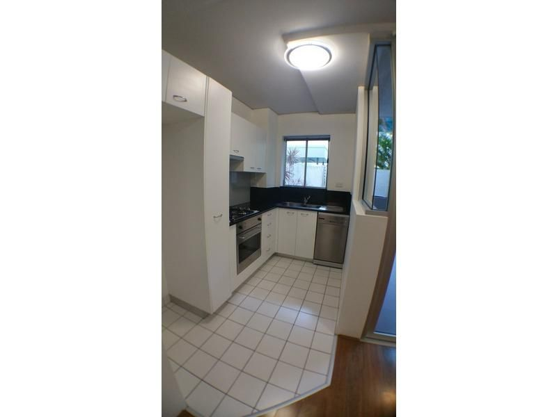 211/83 Robertson Street, Fortitude Valley QLD 4006, Image 2