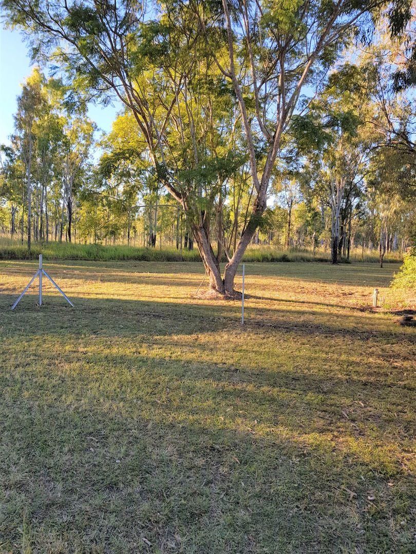 4 Anzac Avenue, Millstream QLD 4888, Image 2