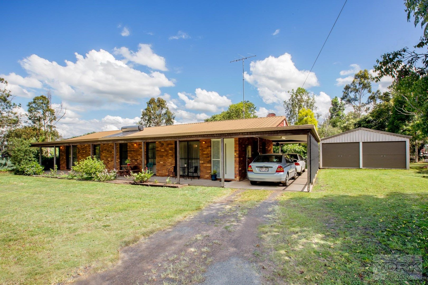 4 Karbul Crescent, Withcott QLD 4352, Image 0