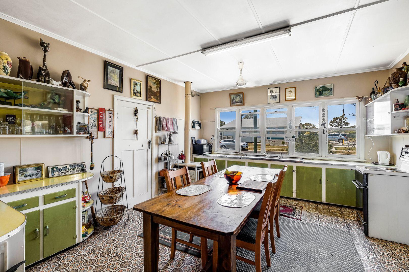 36 Eton Street, Cambooya QLD 4358, Image 2