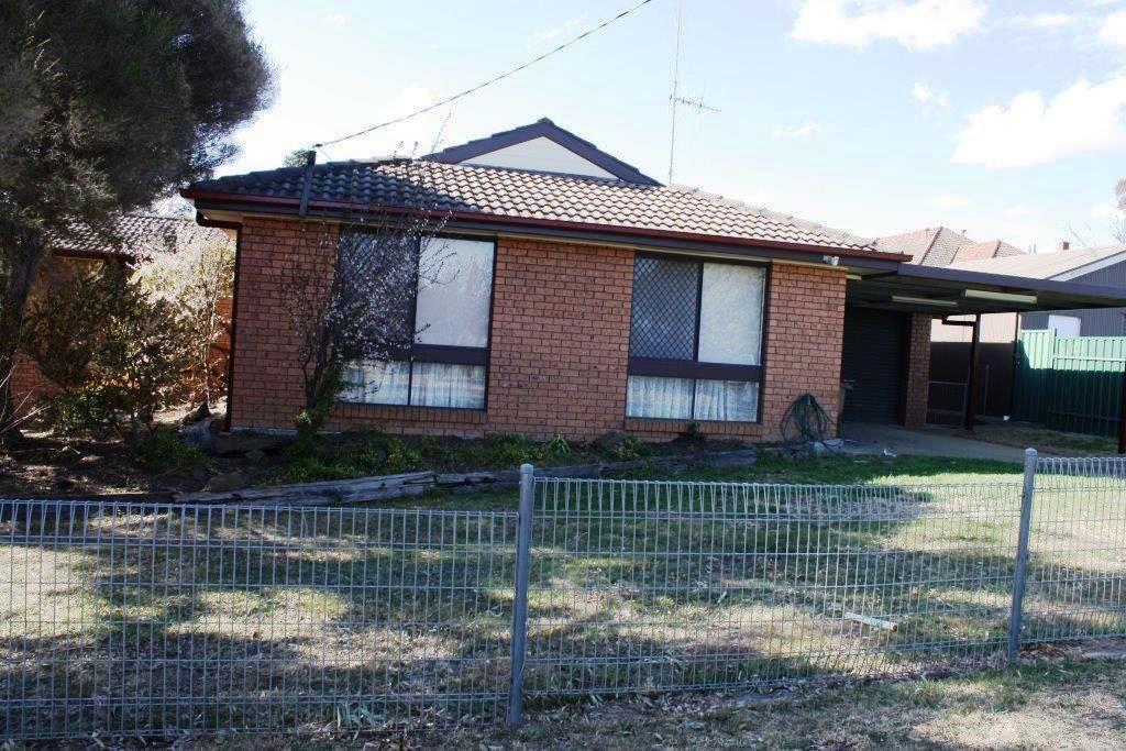 2 HOVELL STREET, Goulburn NSW 2580, Image 0