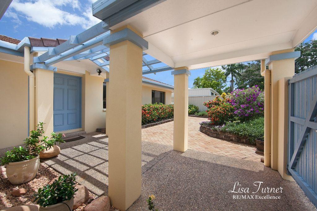 18 Selwyn Street, Cranbrook QLD 4814, Image 1