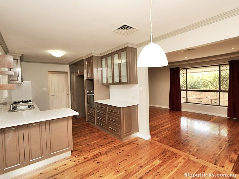 18 Huthwaite Street, Mount Austin NSW 2650, Image 0