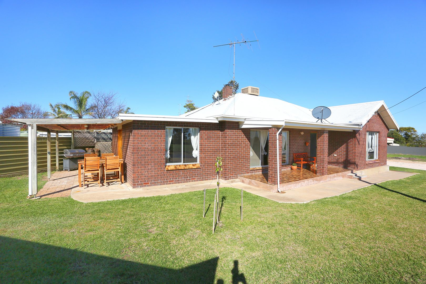 6-8 Seaview Road, Maitland SA 5573, Image 2
