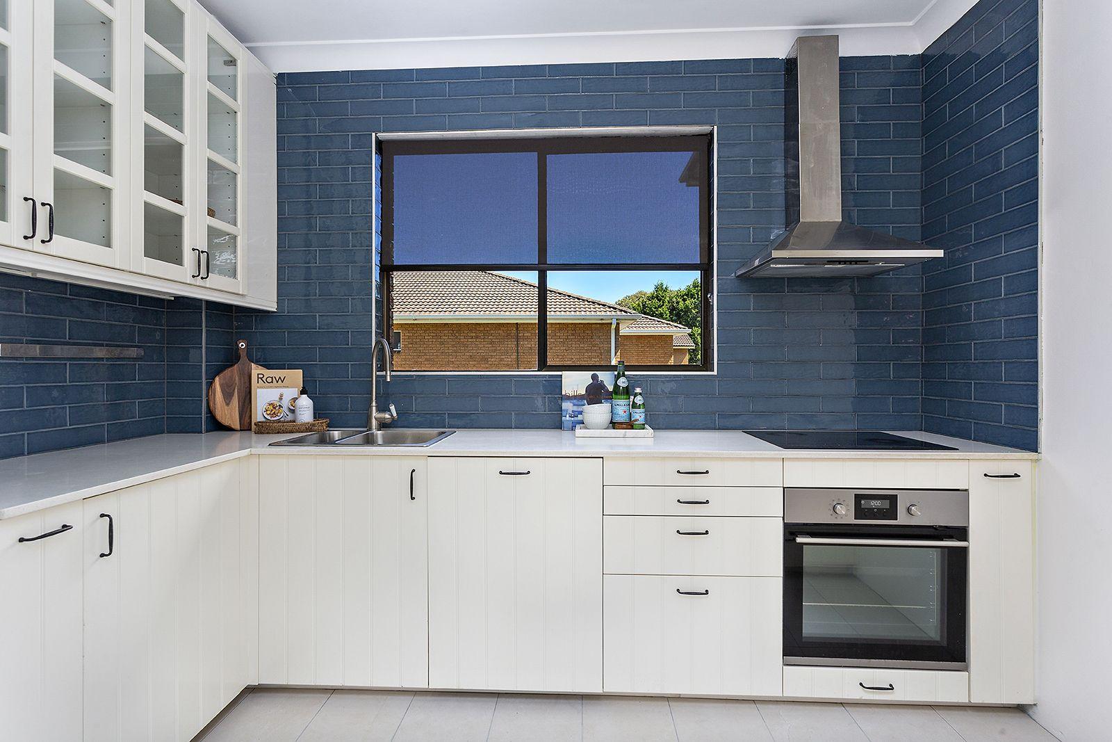 2/11 Murranar Road, Towradgi NSW 2518, Image 1