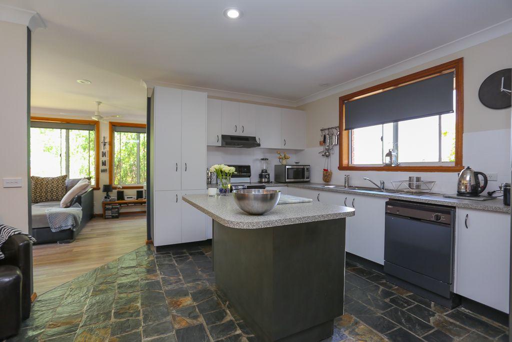 4 Cardew Close, Bathurst NSW 2795, Image 2