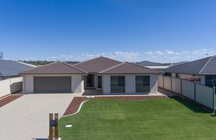 Picture of 19 Lakeview Avenue, Warwick QLD 4370