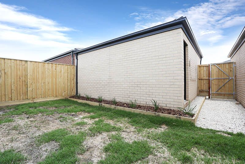 8 Tuin Walk, Wollert VIC 3750, Image 7