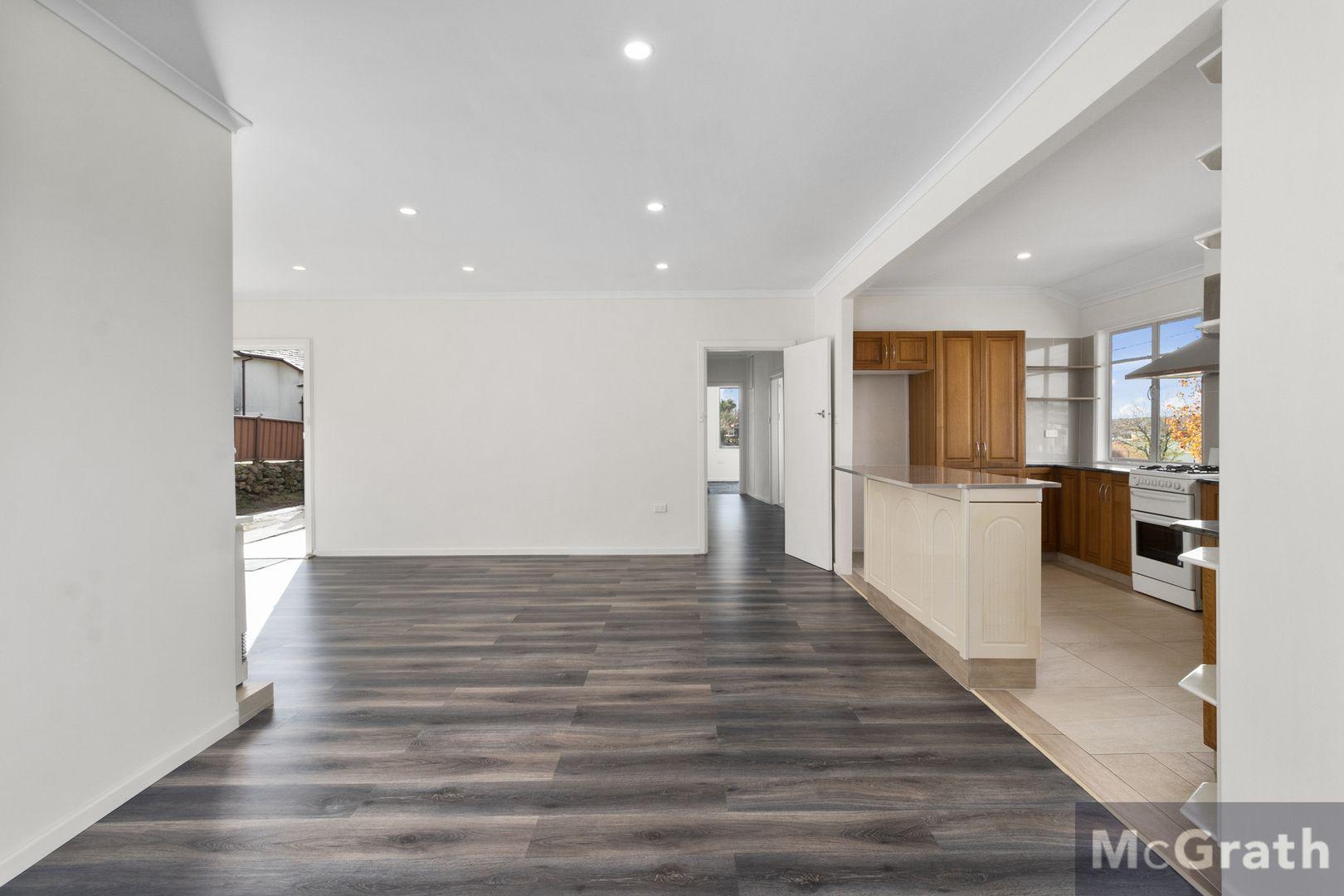 27 Baroona Avenue, Cooma NSW 2630, Image 2