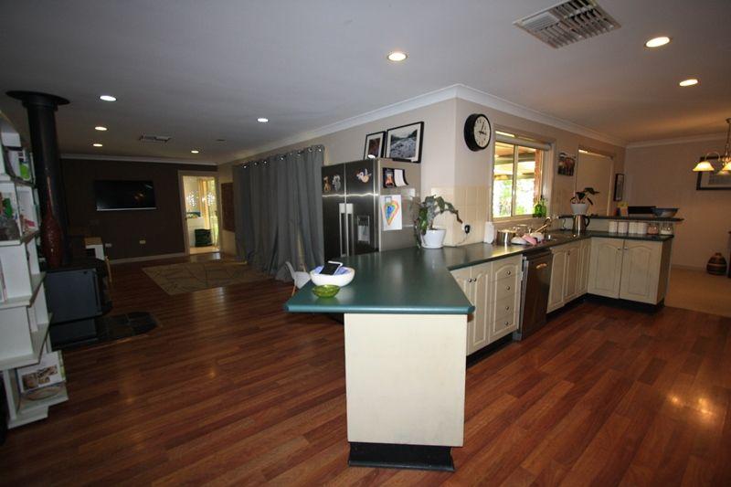 31 Nullamut Street, Cobar NSW 2835, Image 2