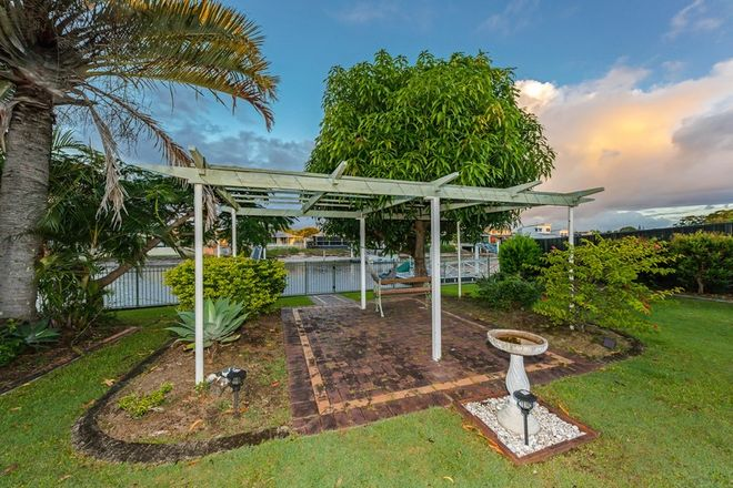 Picture of 49 Buna Street, MAROOCHYDORE QLD 4558