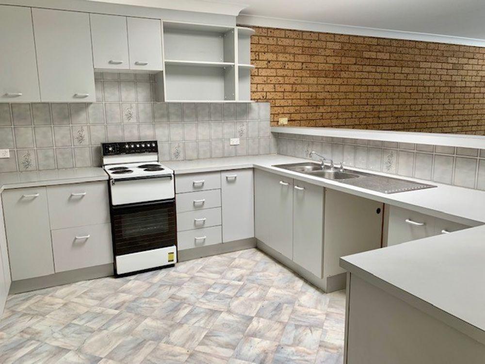 7/4 Ocean Street (Upstairs Flat), Budgewoi NSW 2262, Image 0