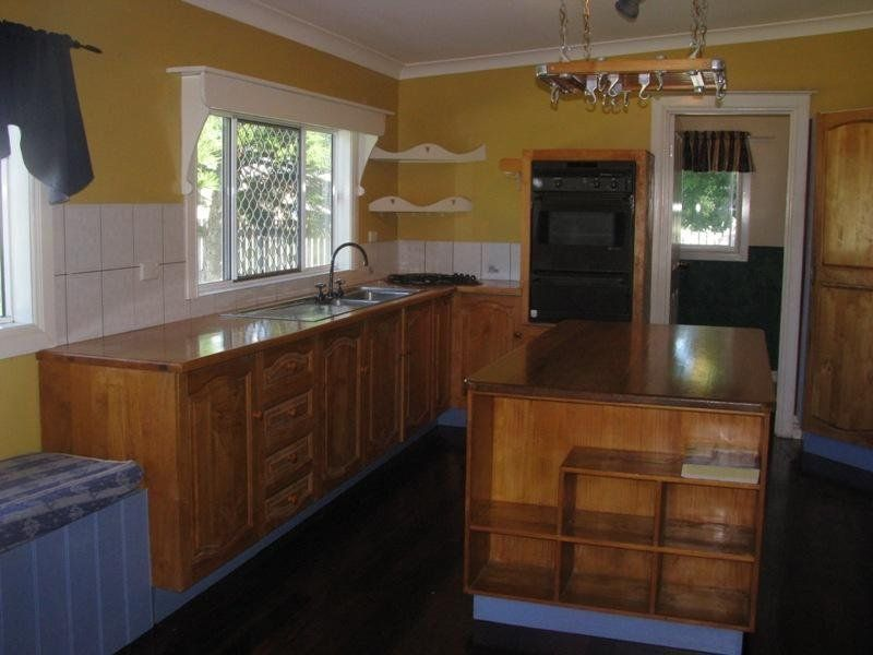 22 Elizabeth Street, Charters Towers City QLD 4820, Image 2