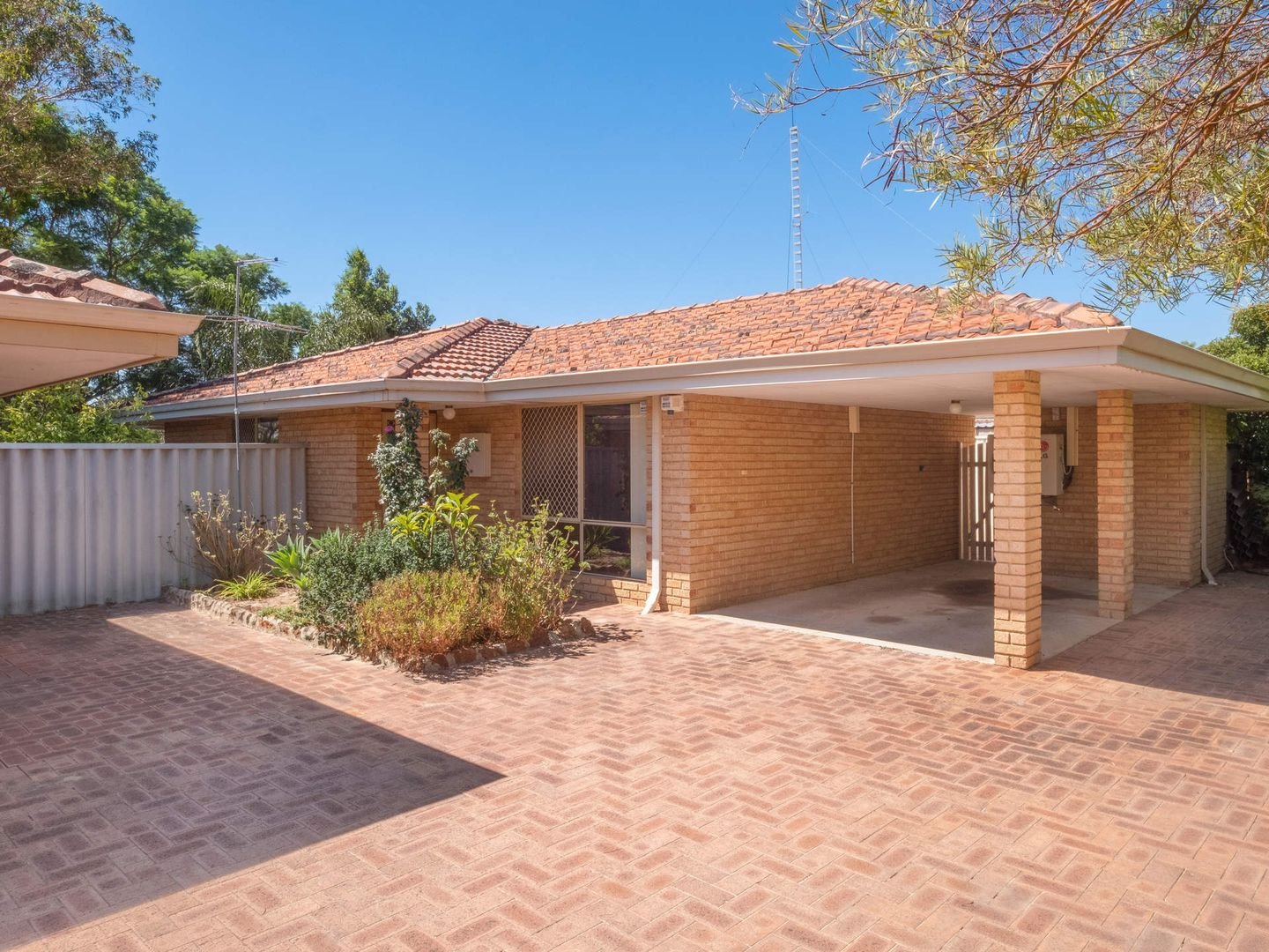 97b Blackadder Road, Swan View WA 6056, Image 0