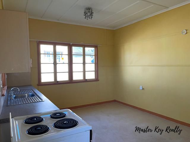 8 Beresford Street, Proston QLD 4613, Image 2