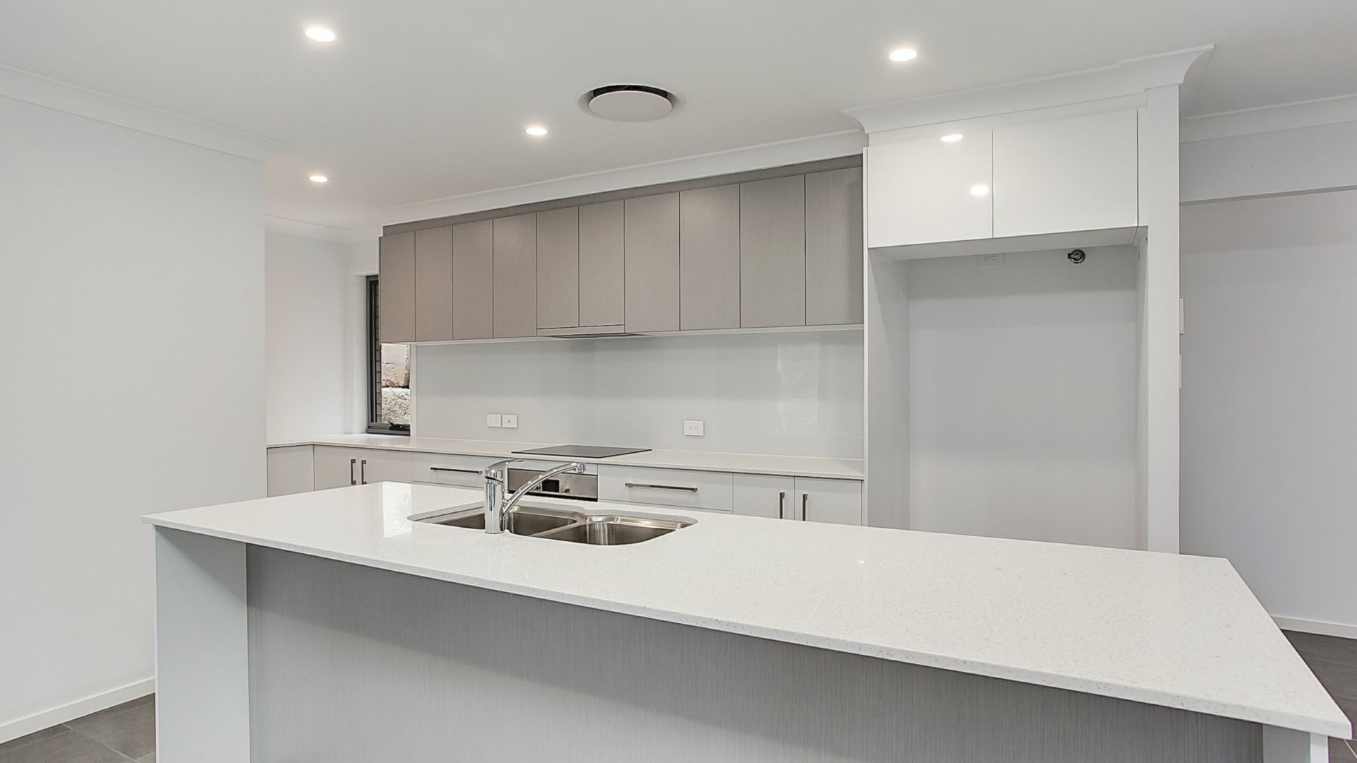 73 Glenmore Drive, Bonogin QLD 4213, Image 2