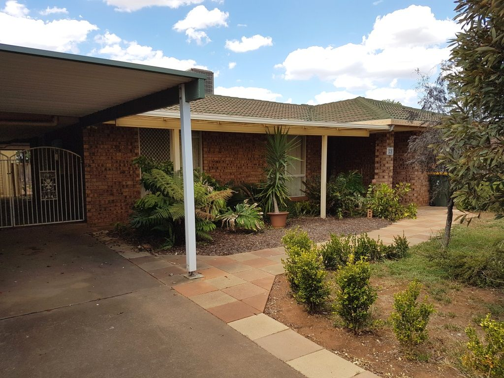 23 Chifley Drive, Dubbo NSW 2830, Image 1