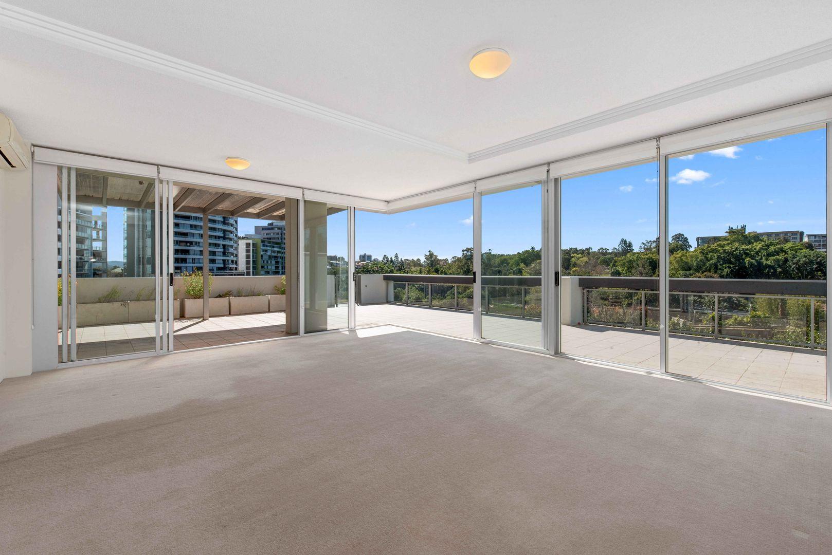 3077/3 Parkland Boulevard, Brisbane City QLD 4000, Image 0