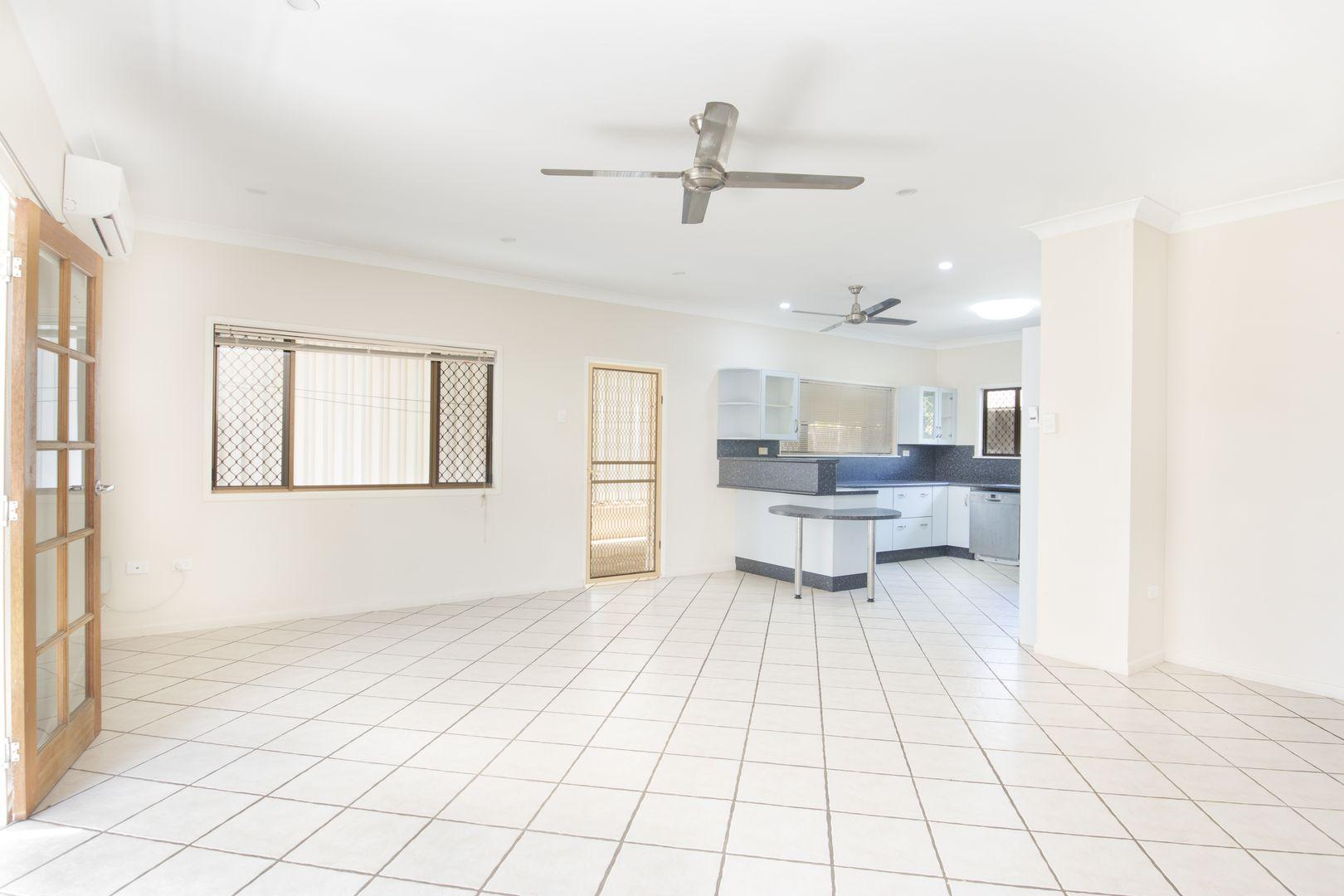 29 Malbon Road, Kirwan QLD 4817, Image 2