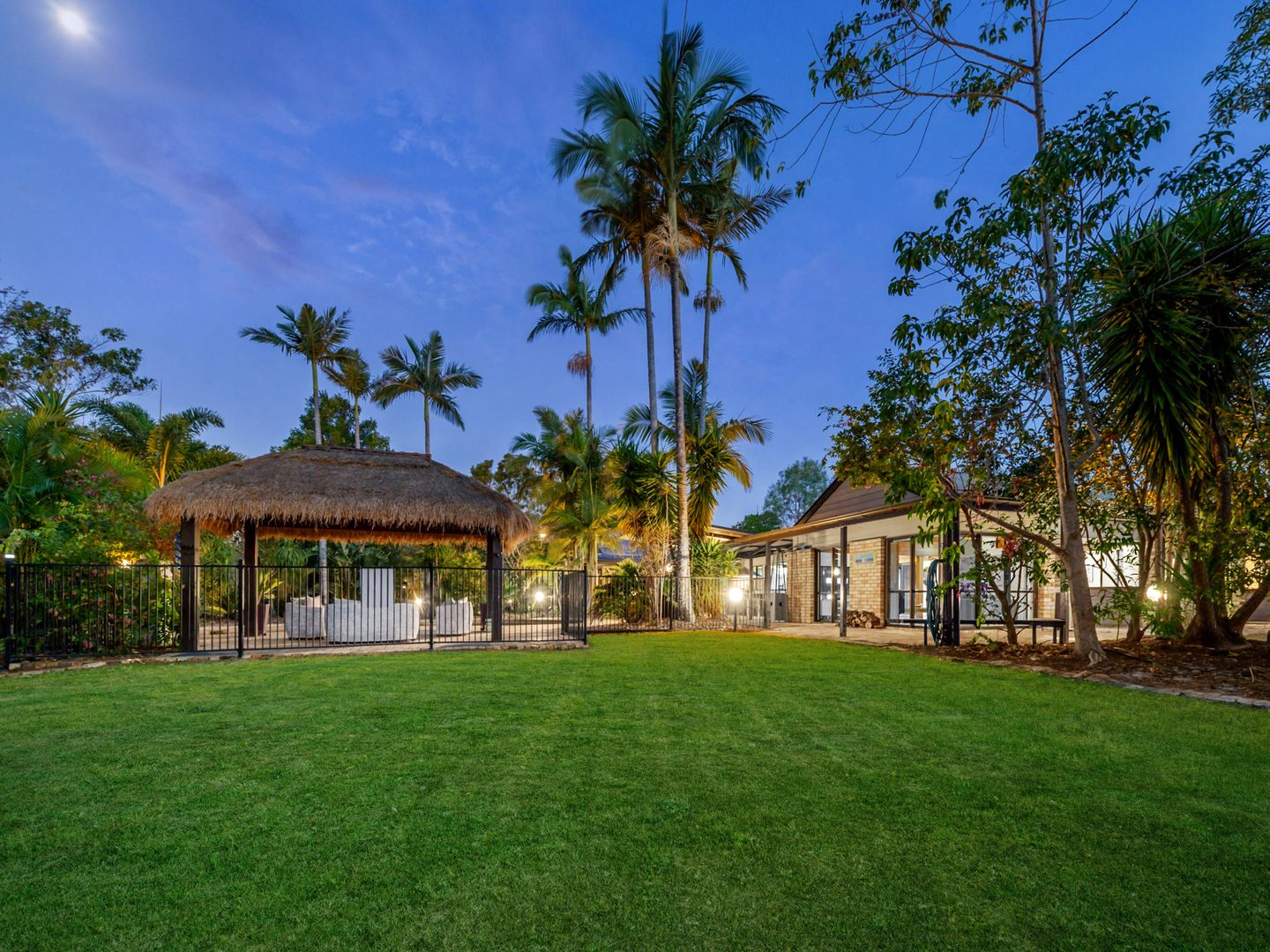 7 Mountain View Court, Samford Valley QLD 4520, Image 1
