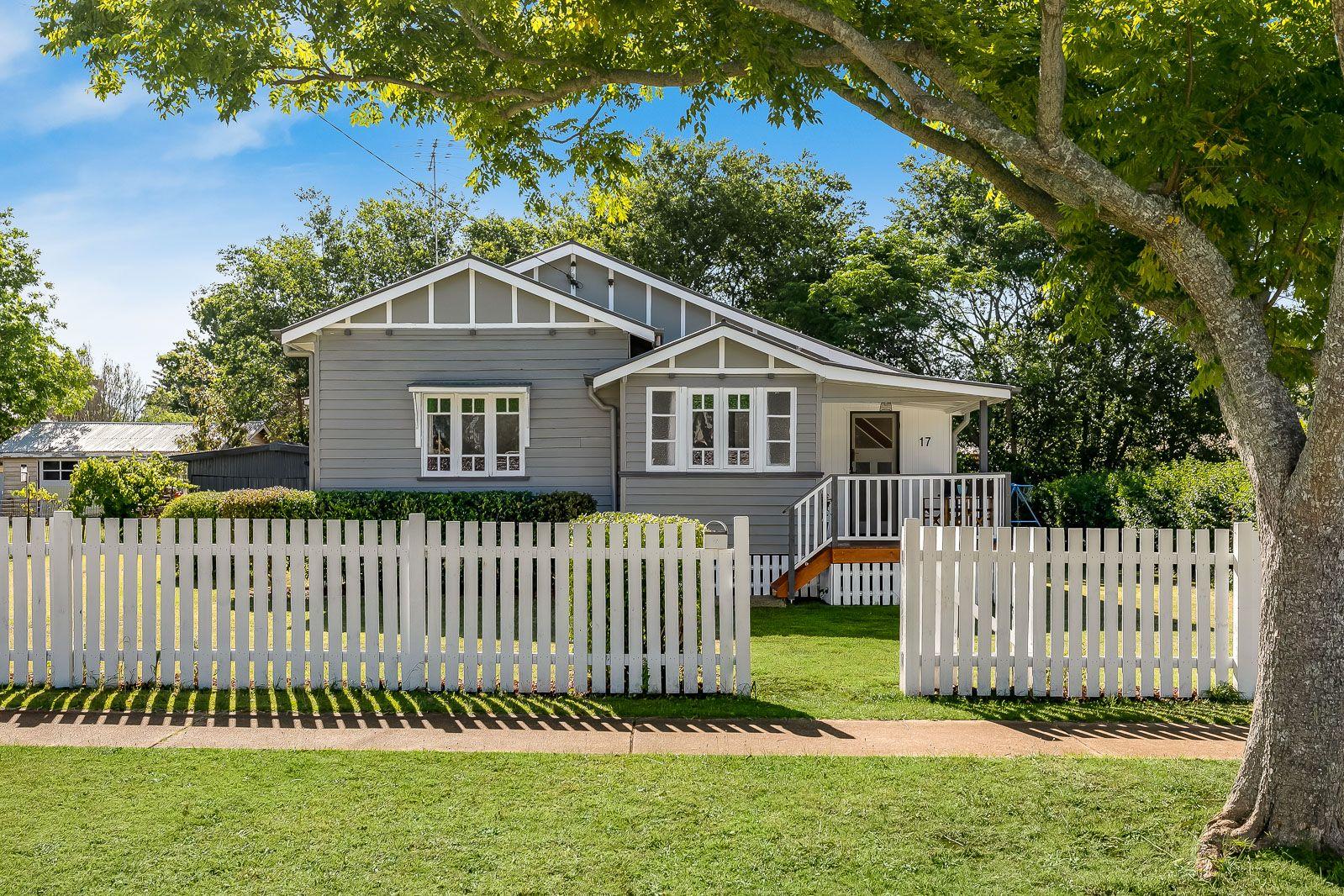 17 Bothwell Street, Newtown QLD 4350, Image 0