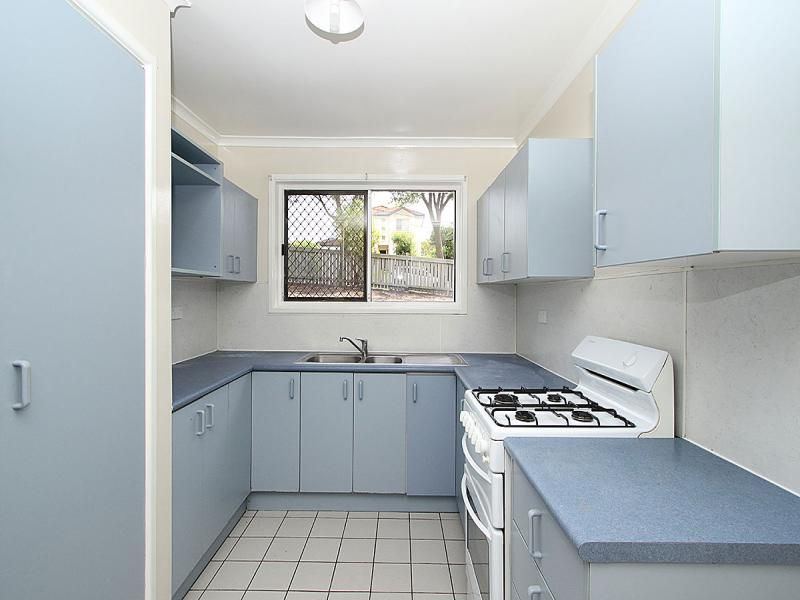 67 Eastwood Drive, Mansfield QLD 4122, Image 2