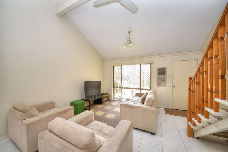 23/172 Barrier Reef Drive, Mermaid Waters QLD 4218, Image 2