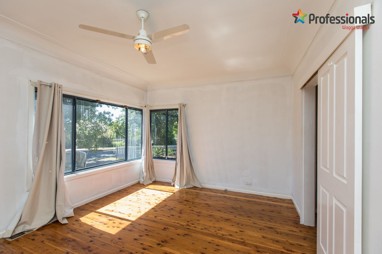 21 Nilma Avenue, Mount Austin NSW 2650, Image 2