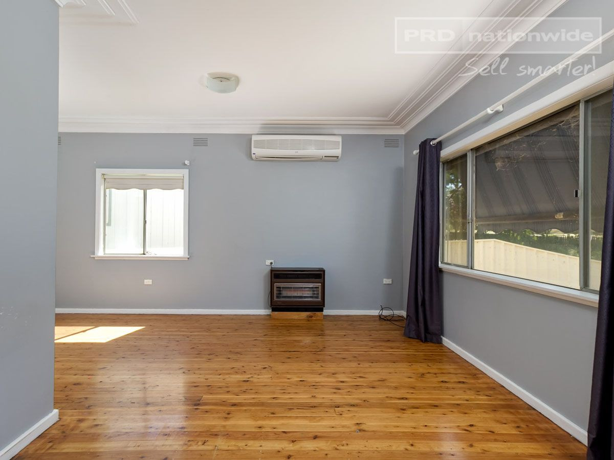 86 Tichborne Avenue, Kooringal NSW 2650, Image 1