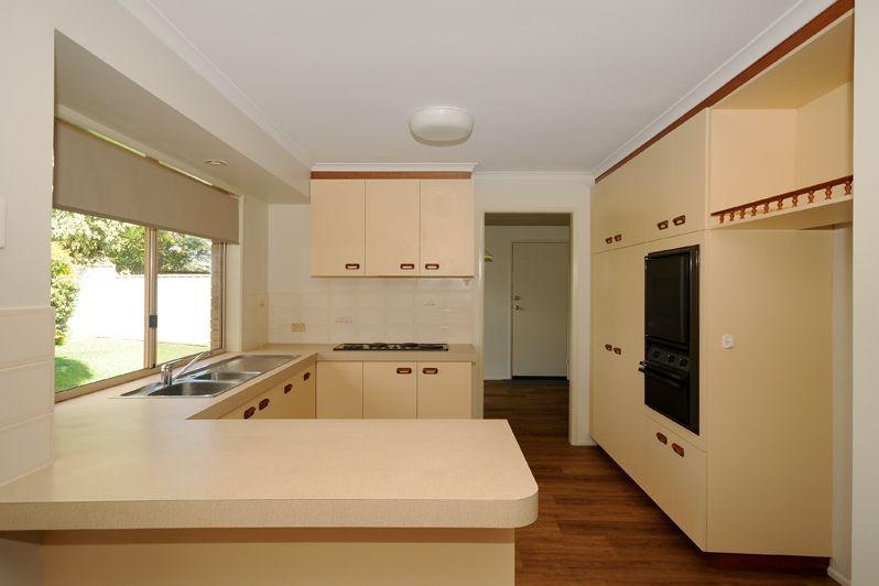 6 Lacebark Court, Glenvale QLD 4350, Image 1