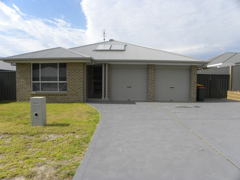 4 Peacehaven Way, Sussex Inlet NSW 2540, Image 0