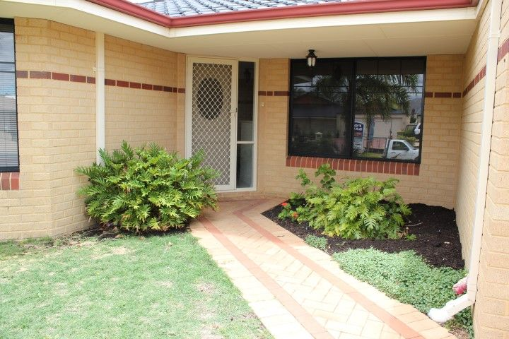 146 Peelwood Parade, Halls Head WA 6210, Image 2