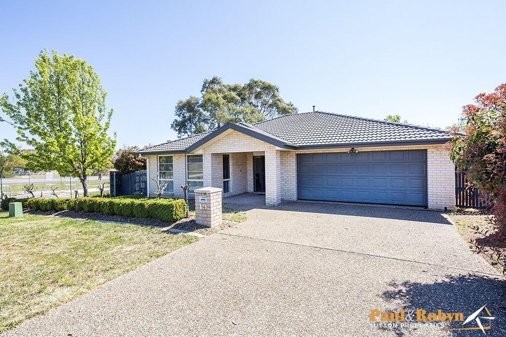 19 Dora Street, Jerrabomberra NSW 2619, Image 0