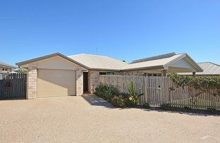 Picture of 1/3 Bronte Place, Urraween QLD 4655