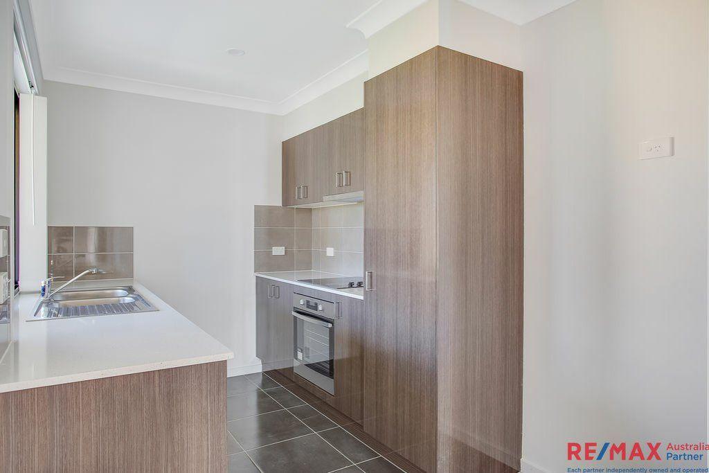 1/2 Pembroke Street, Pimpama QLD 4209, Image 2