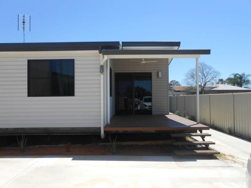 Unit 2/27 Dawson Street, Miles QLD 4415, Image 0