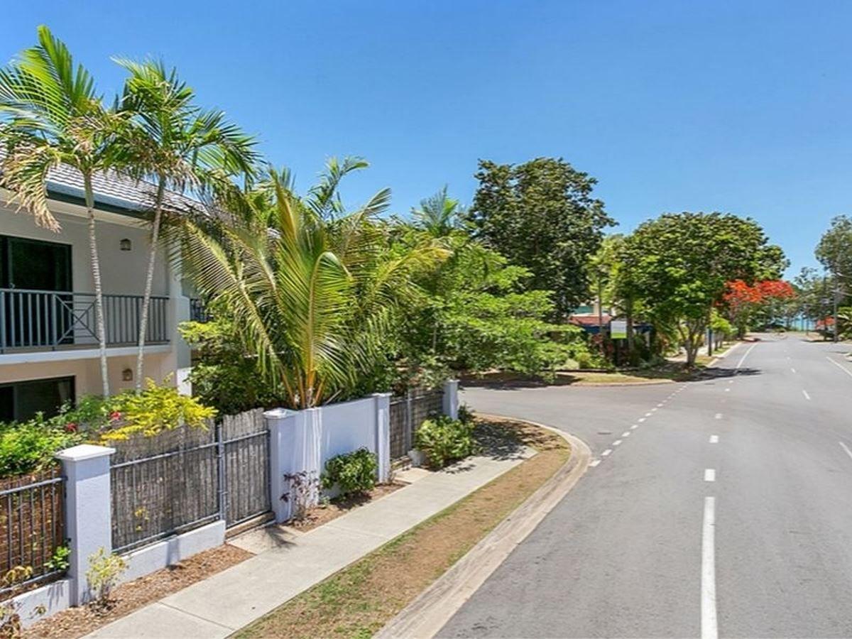 3/18 Clifton Road, Clifton Beach QLD 4879, Image 2