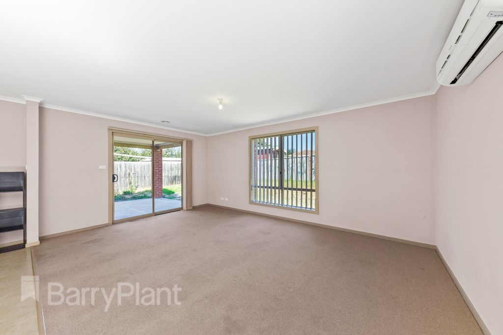 5 Newcombe Drive, St Albans VIC 3021, Image 1