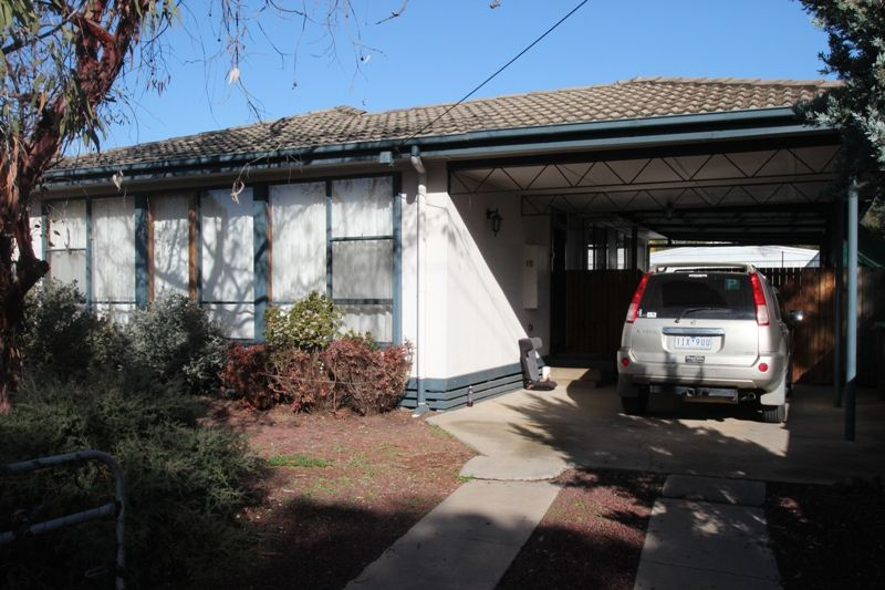 15 Stokes Avenue, Cobram VIC 3644, Image 2