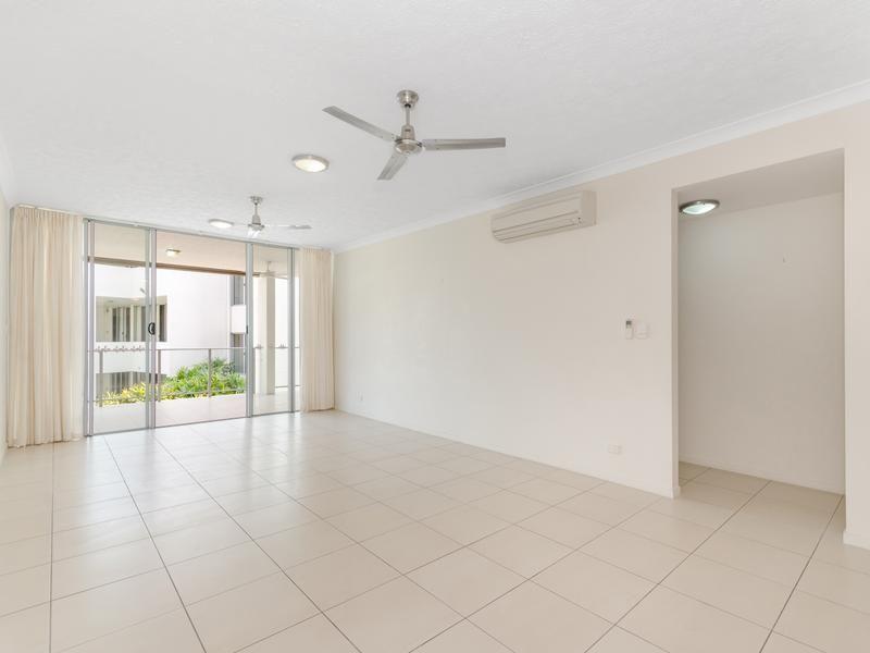 29/28 Landsborough Street, North Ward QLD 4810, Image 2