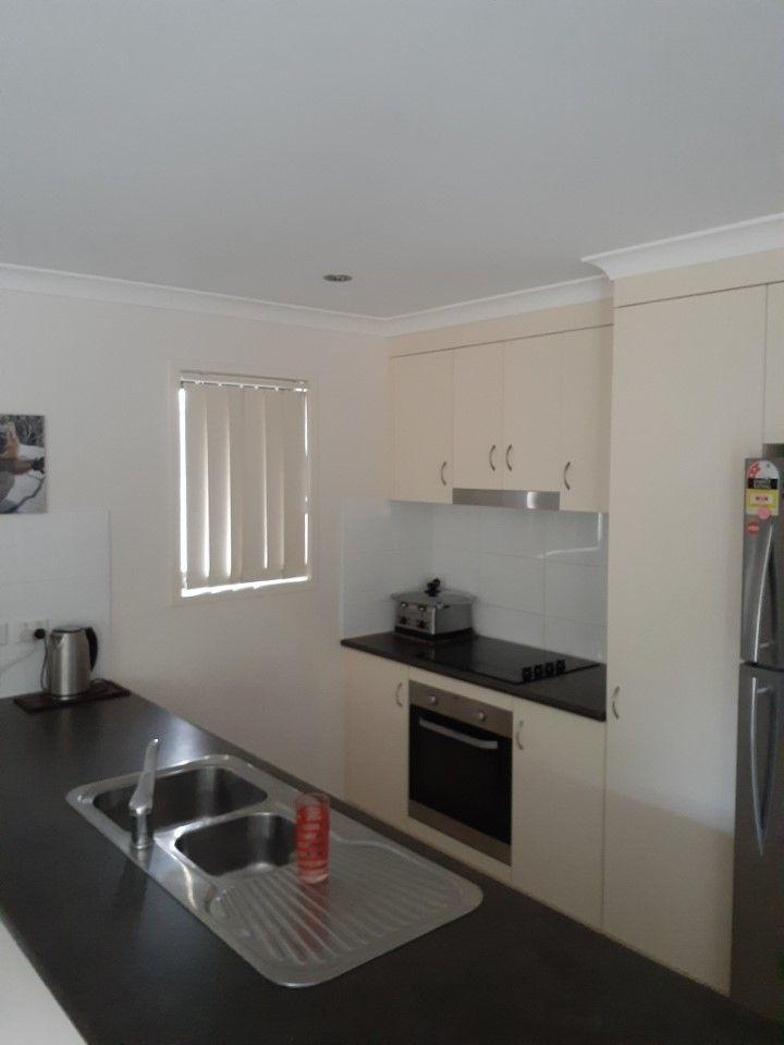 24 Georgia Drive, Parkhurst QLD 4702, Image 2